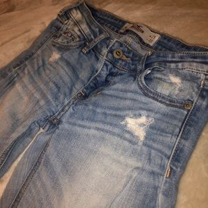 Distressed Hollister jeans 1R